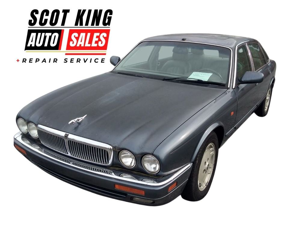 The 1996 Jaguar XJ-Series XJ6 photos