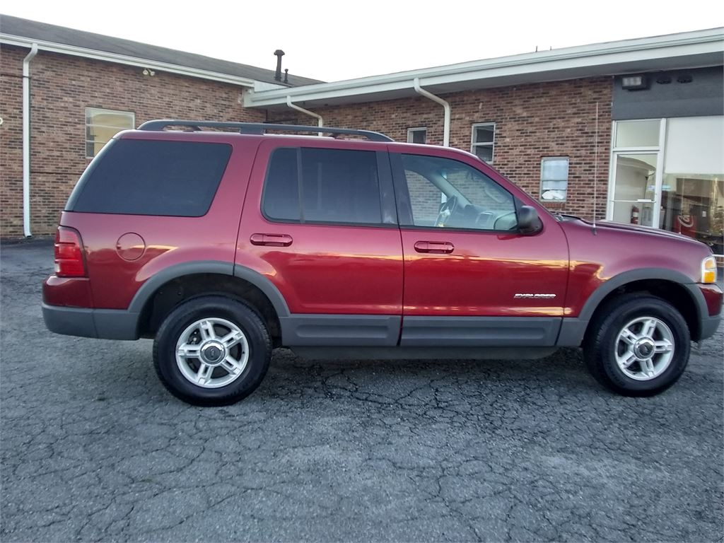 The 2002 Ford Explorer XLT photos