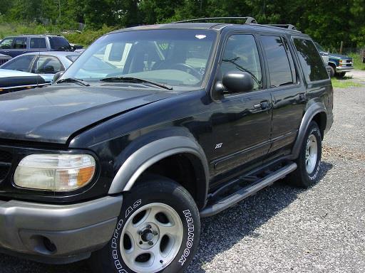The 2001 Ford Explorer XLT photos