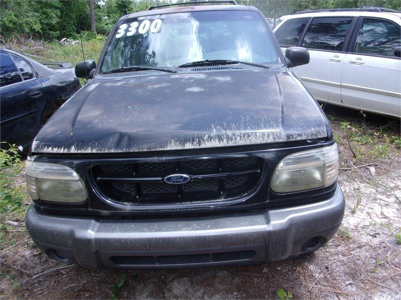 2001 Ford Explorer XLT photo