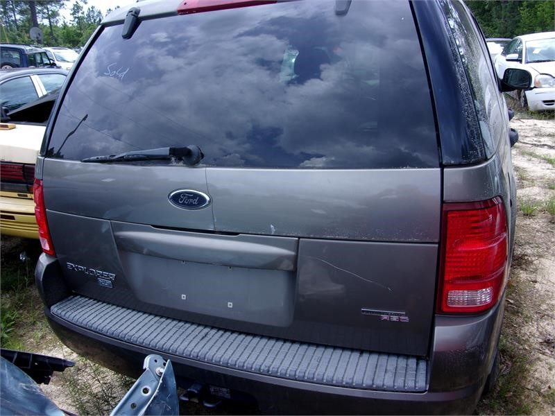 2005 Ford Explorer XLT photo