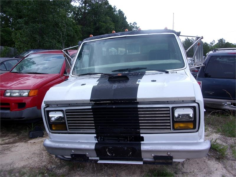 The 1984 Ford E-150 photos