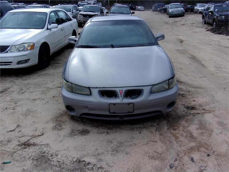 The 2000 Pontiac Grand Prix GT photos