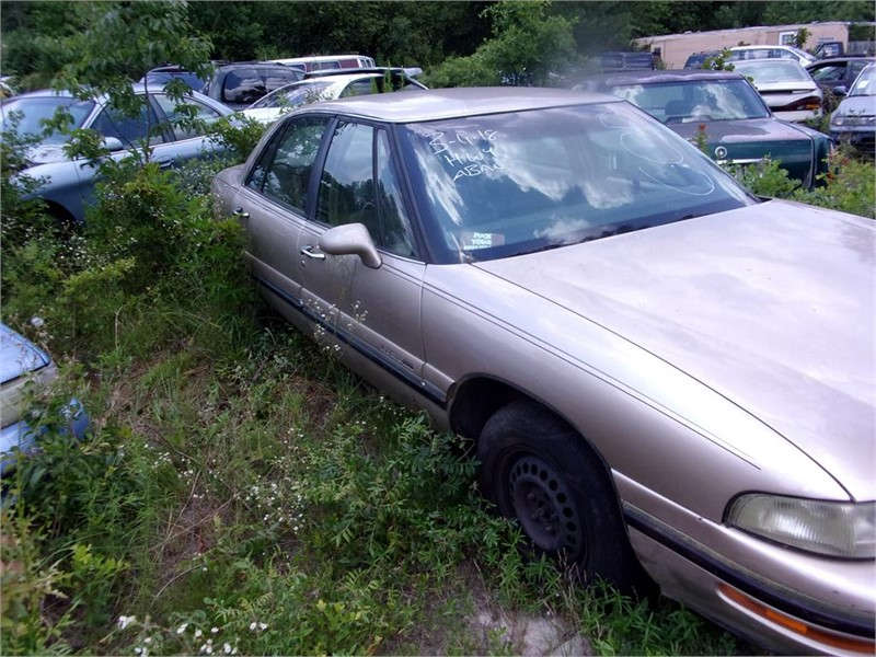 1998 Buick LeSabre Custom photo