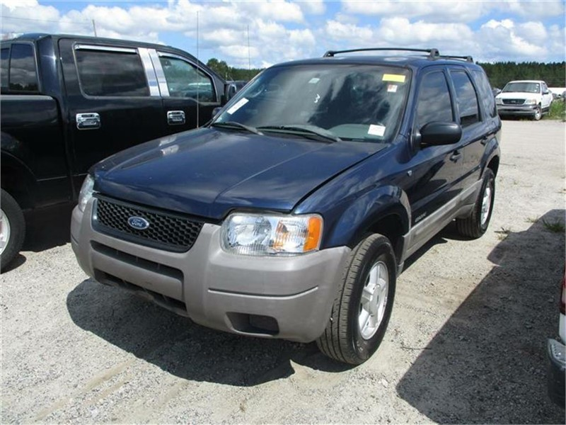 The 2002 Ford Escape XLS Value photos