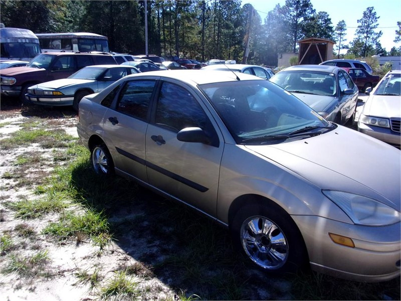 2000 Ford Focus LX photo