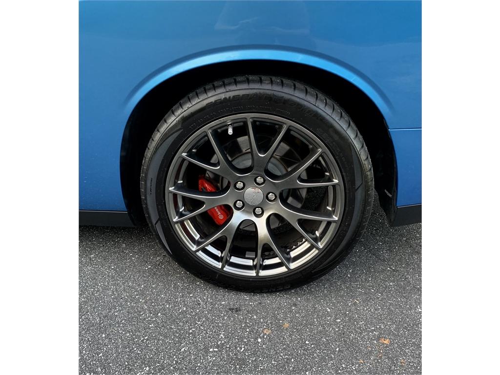 2015 Dodge Challenger SRT 6.4 L Premium  photo