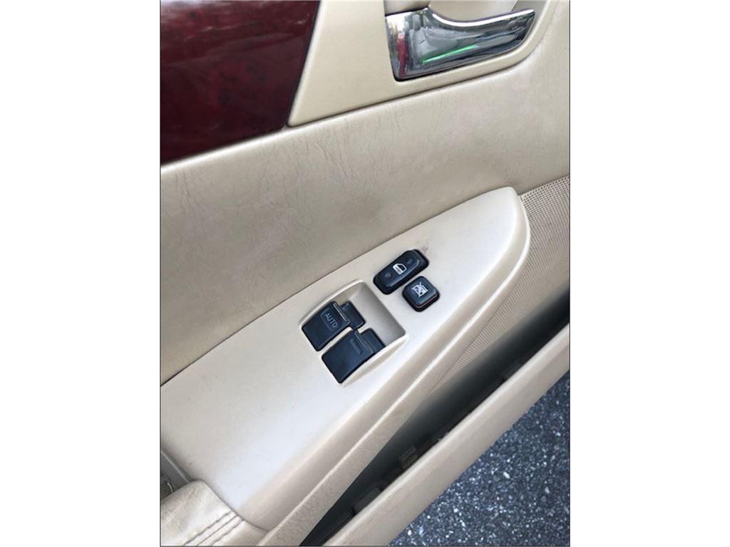 2005 Toyota Camry Solara SE V6 photo