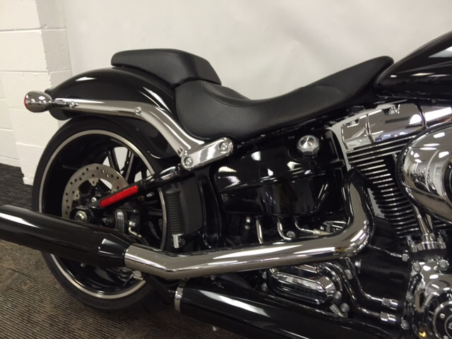 2015 Harley-Davidson FXSB BREAKOUT  photo