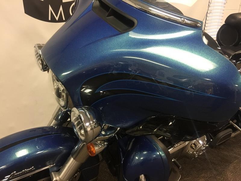 2014 Harley-Davidson FLHTK - Electra Glide® Ul  photo