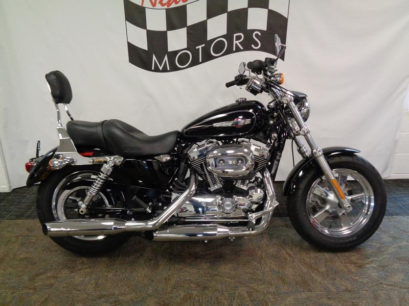 The 2015 Harley-Davidson XL1200C - Sportster® 1200  photos