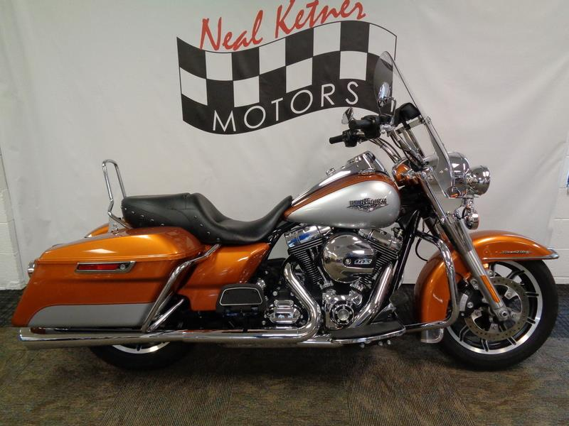 The 2014 Harley-Davidson FLHR - Road King®  photos