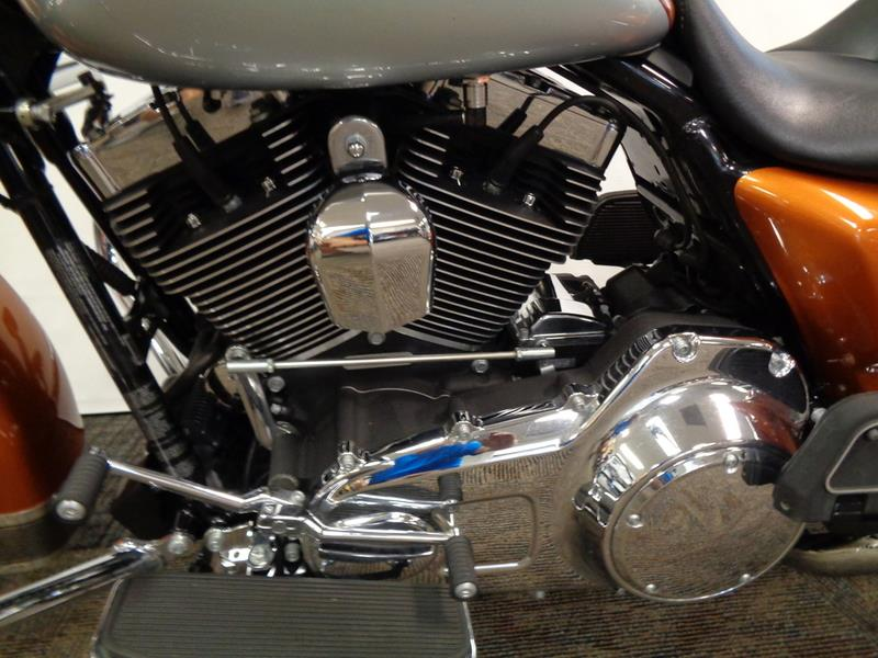 2014 Harley-Davidson FLHR - Road King®  photo
