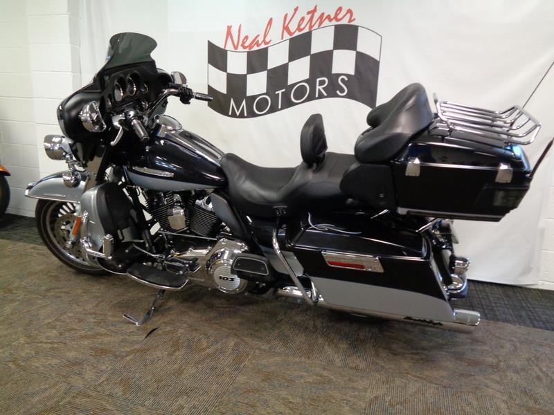 2012 Harley-Davidson FLHTK - Electra Glide® Ul  photo