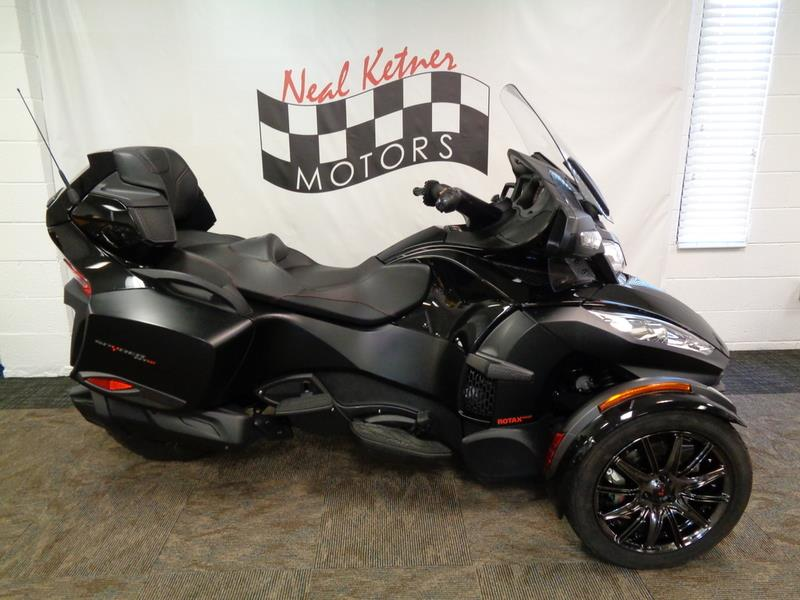 The 2016 Can-AM Spyder® RT-S Special Seri  photos