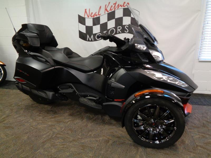 2016 Can-AM Spyder® RT-S Special Seri  photo