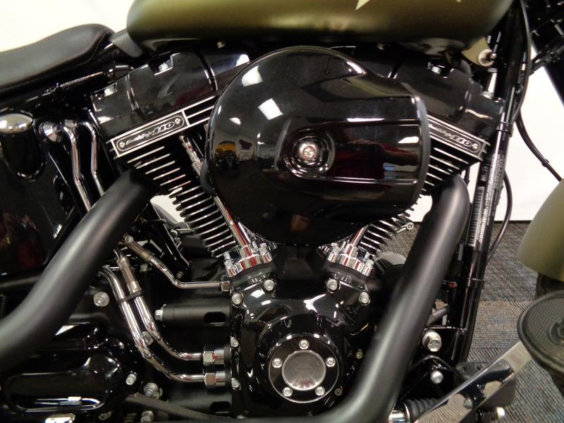 2016 Harley-Davidson FLSS - Softail Slim® S  photo