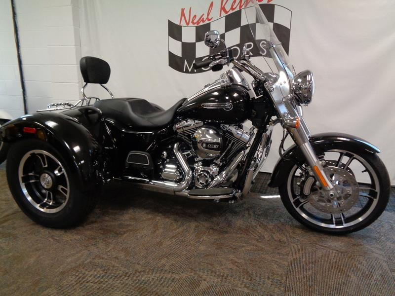2016 Harley-Davidson FLRT - Freewheeler®  photo