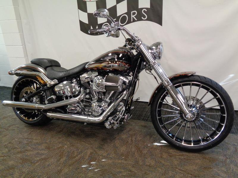 2014 Harley-Davidson FXSBSE - CVO™ Breakout&#  photo