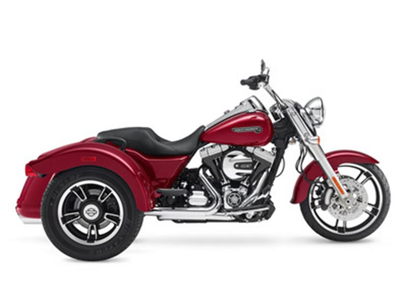 The 2016 Harley-Davidson FLRT - Freewheeler®  photos