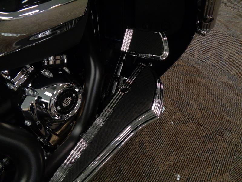 2017 Harley-Davidson FLTRXS - Road Glide® Spec  photo