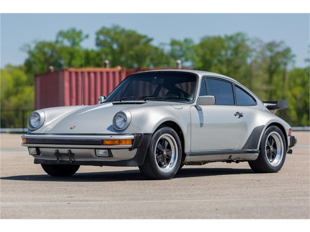 The 1984 Porsche 911 Carrera photos