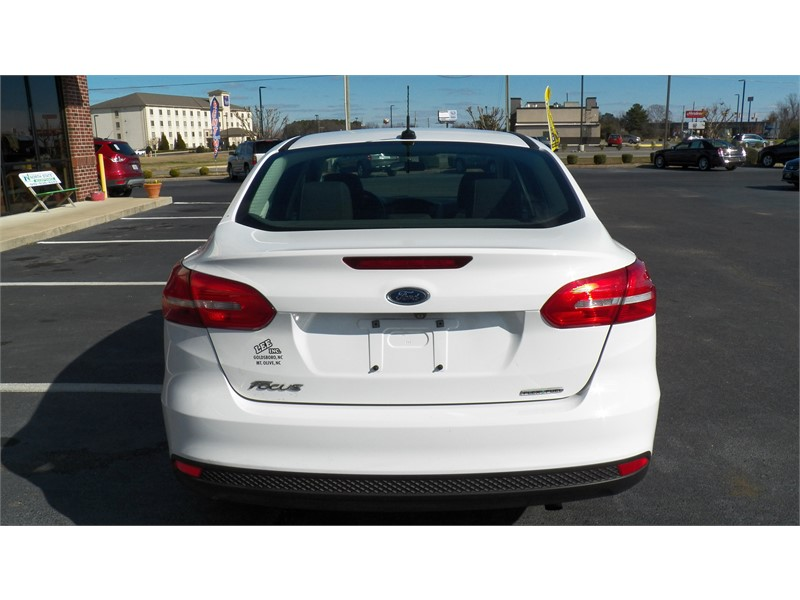2015 Ford Focus S  photo