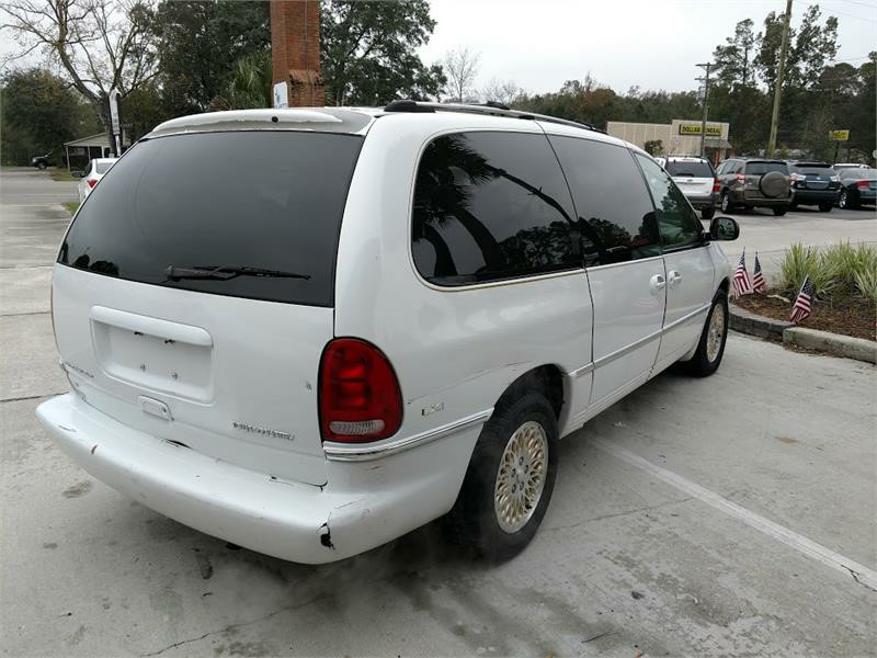 1996 Chrysler Town & Country LXi photo