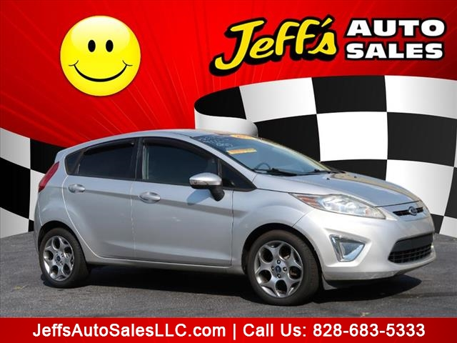 The 2011 Ford Fiesta SES photos