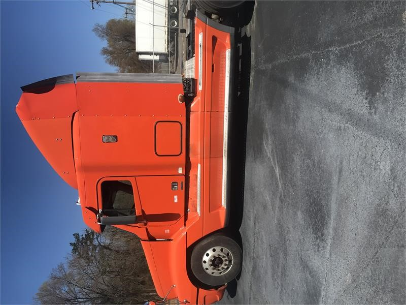 2009 Freightliner CONVENTIONAL ST120  photo