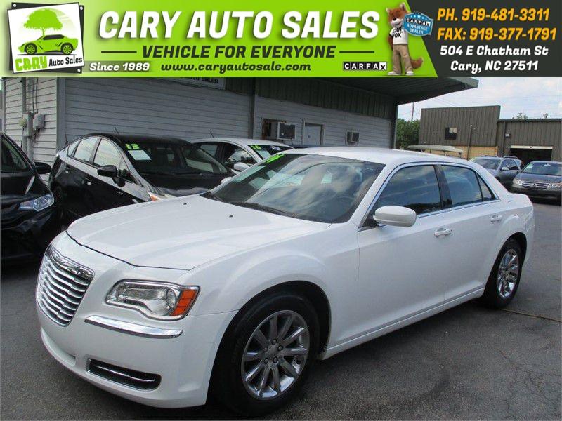 The 2014 Chrysler 300 photos