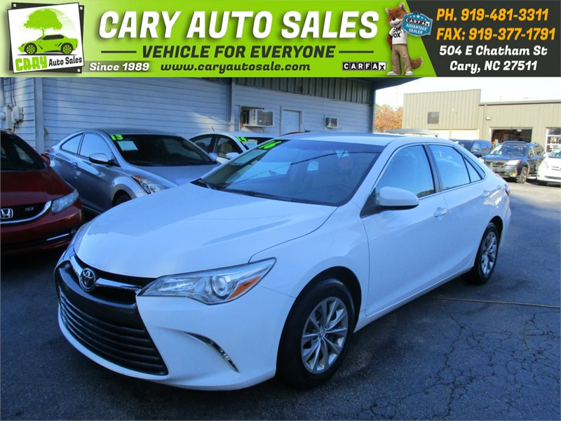 2016 Toyota Camry LE  photo