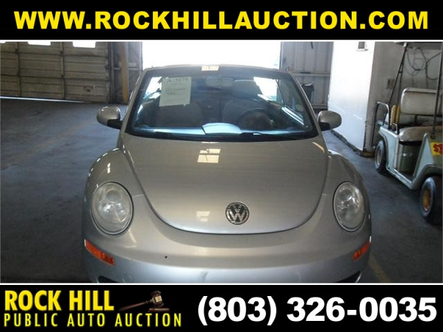2006 Volkswagen New Beetle 2.5 photo