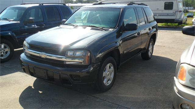 2003 Chevrolet Trailblazer LS photo
