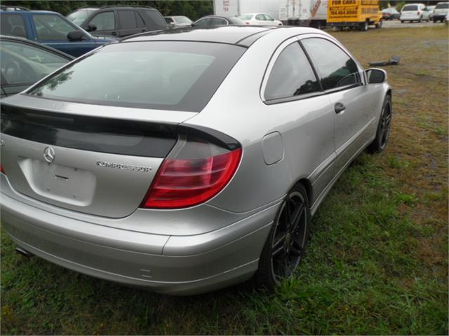 2002 Mercedes-Benz C-Class C230 photo