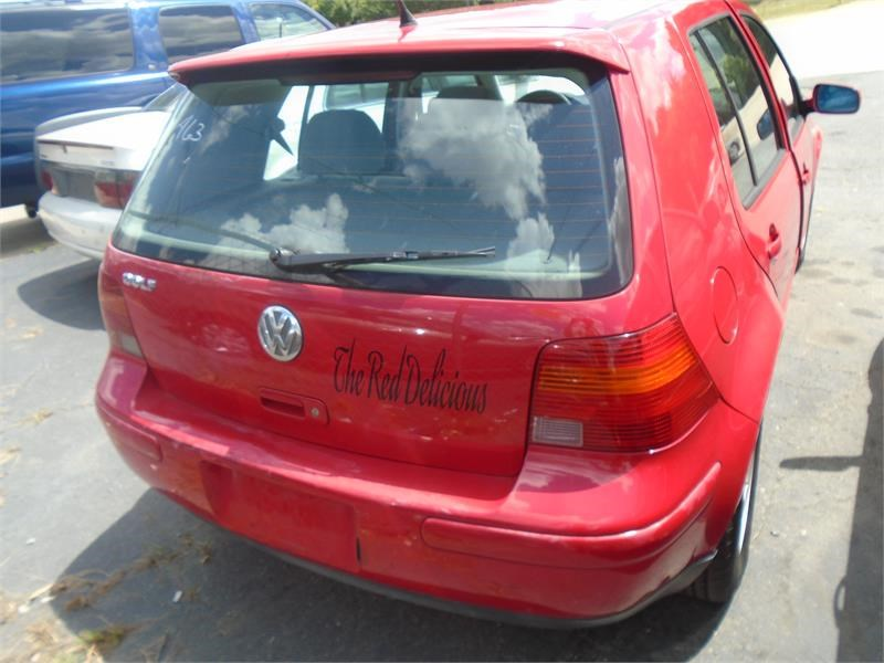 2002 Volkswagen Golf GLS photo