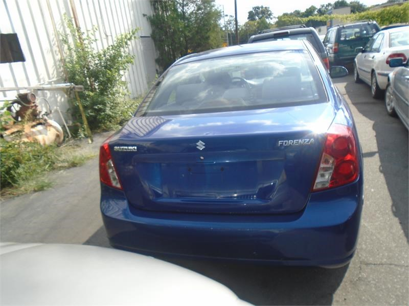2004 Suzuki Forenza LX photo