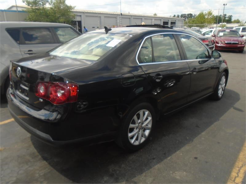2010 Volkswagen Jetta SE PZEV photo