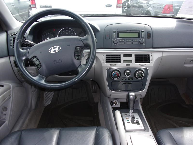 The 2006 Hyundai Sonata LX