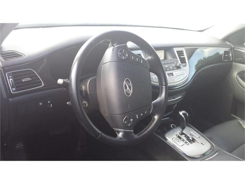 2013 Hyundai Genesis 3.8L photo