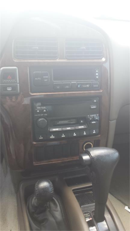 1999 Nissan Pathfinder SE photo