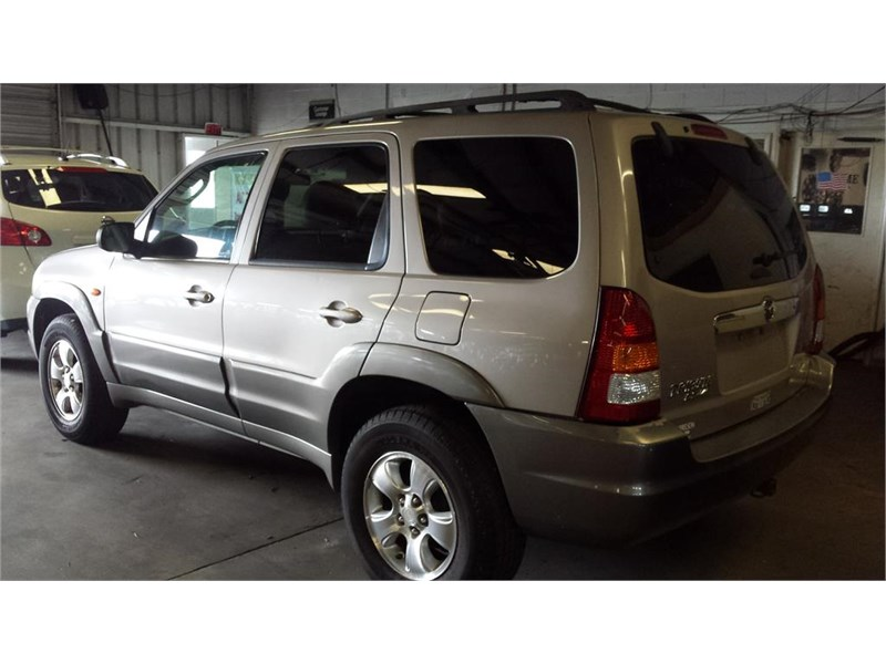 The 2002 Mazda Tribute ES-V6