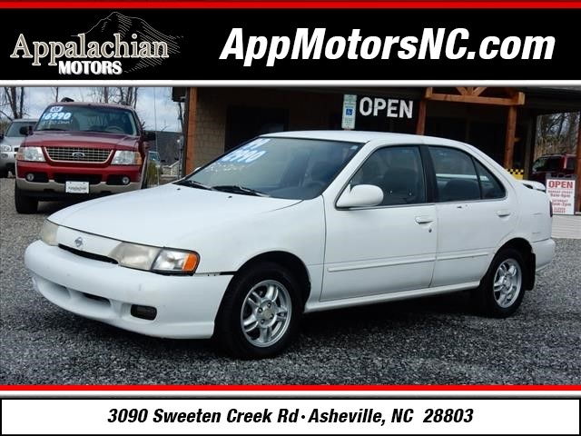 1999 Nissan Sentra XE photo
