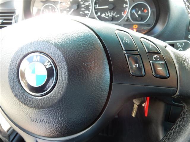 2005 BMW 3-Series 330xi photo