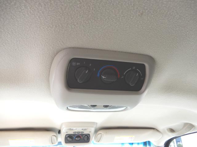 2002 Chevrolet Tahoe LS photo