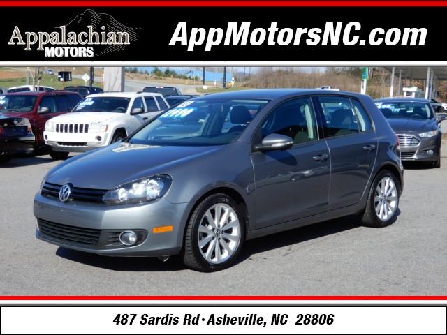 The 2013 Volkswagen Golf TDI photos