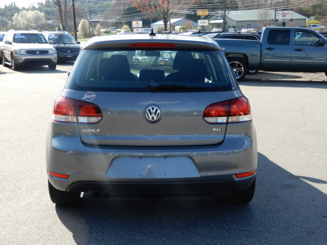 2013 Volkswagen Golf TDI photo