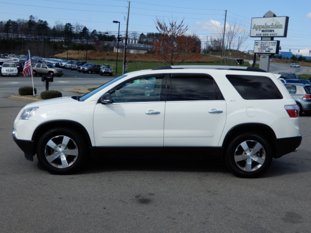 The 2010 GMC Acadia SLT-1