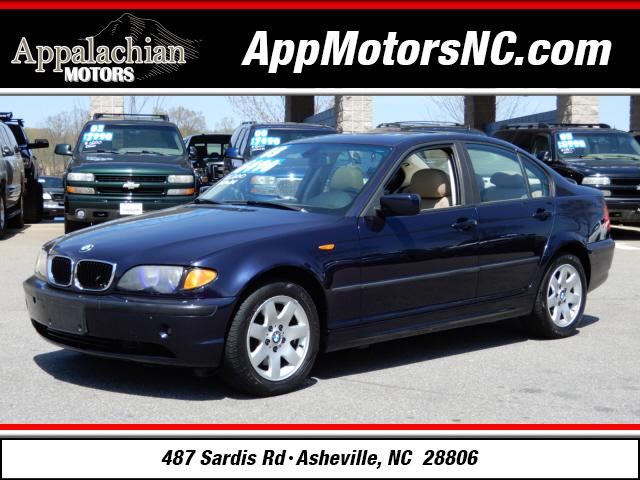The 2003 BMW 3-Series 325xi photos