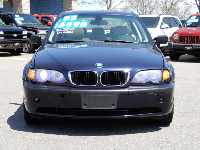 The 2003 BMW 3-Series 325xi